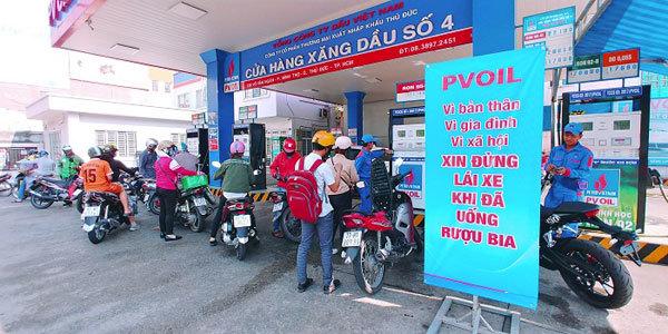 PVOIL kiến nghị: không bán xăng dầu cho người uống rượu bia
