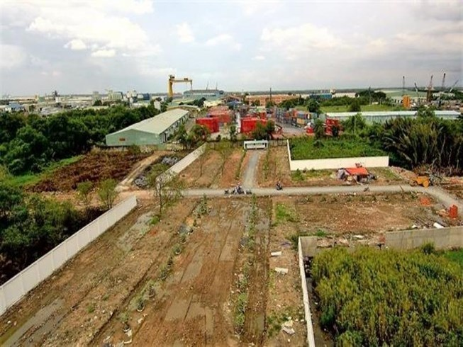 Land buyers face risks from real estate scams in HCM City