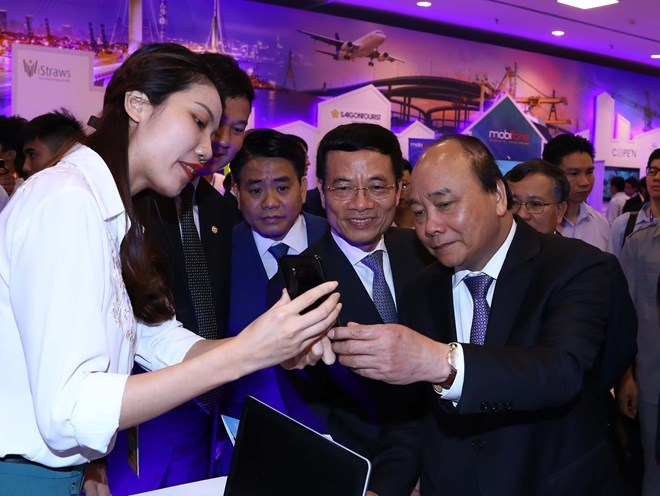 Vietnam needs to embrace technology to escape middle-income trap: Vietnamese PM