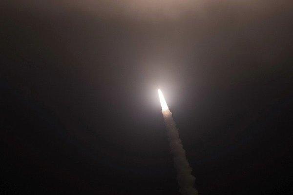 Mỹ bất ngờ thử nghiệm tên lửa đạn đạo
