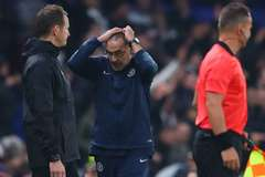 HLV Sarri bỏ lỡ khoảnh khắc lịch sử Chelsea ở Europa League