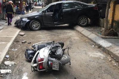 Xác định danh tính nữ tài xế lùi xe Camry cán chết người ở Hà Nội