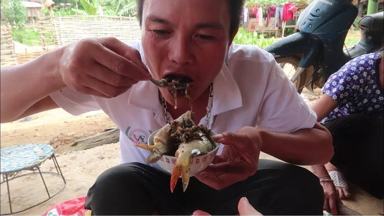 Sơn La có món cá nhảy tanh tách trong miệng, nhiều người dè chừng