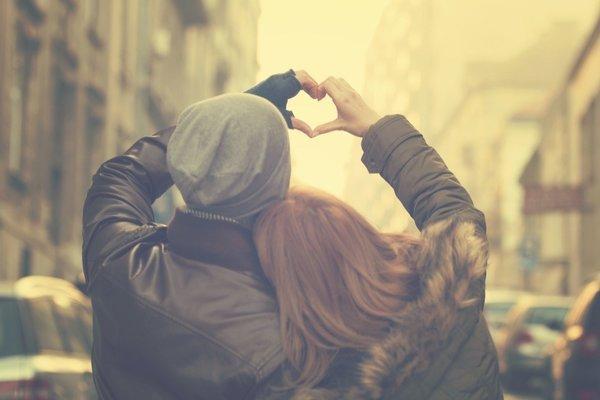 Giới trẻ Anh hờ hững với tình dục vì lý do không thể ngờ