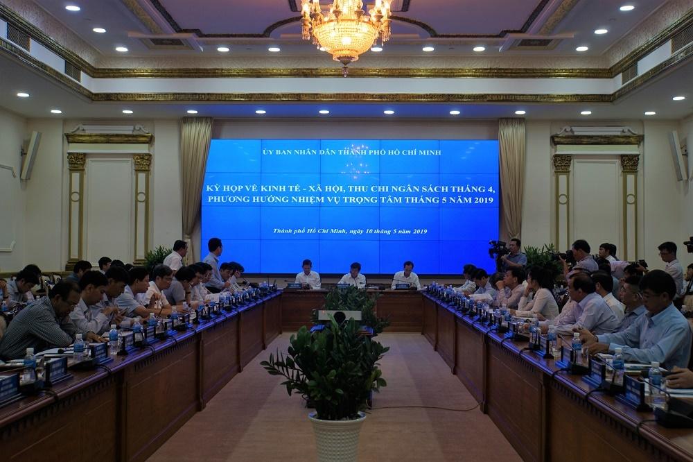 Chủ tịch TP.HCM Nguyễn Thành Phong xót xa khi hàng loạt dự án 'đắp chiếu'