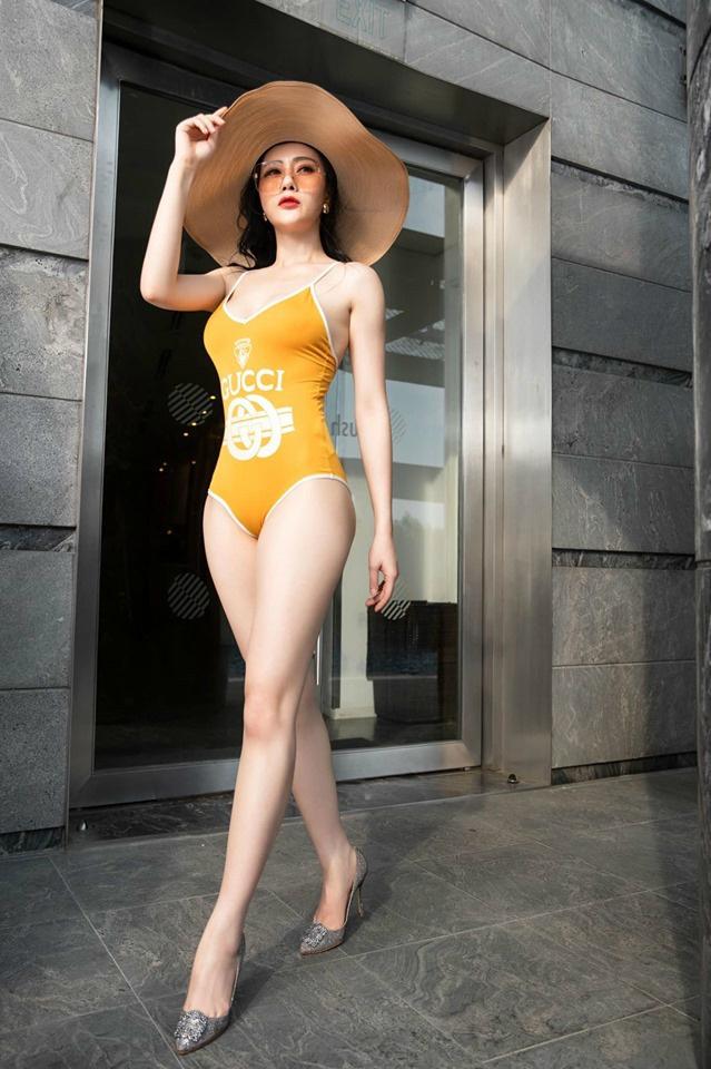 Dàn mỹ nhân 'Quỳnh búp bê' đọ vẻ nóng bỏng với bikini