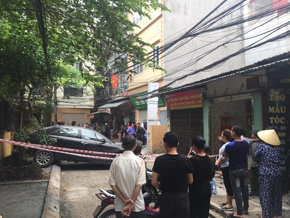 Video: Nữ tài xế Camry đi lùi cán chết người trong ngõ Hà Nội