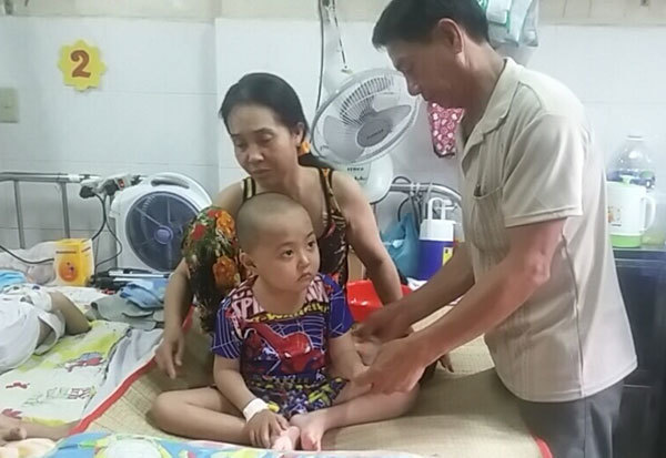 Bạn đọc ủng hộ bé Trương Thanh Lợi bị ung thư máu