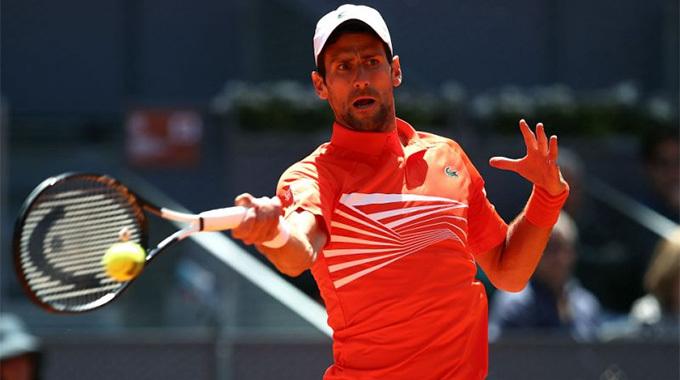 Cilic 'đầu hàng', Djokovic chiến Dominic Thiem ở bán kết