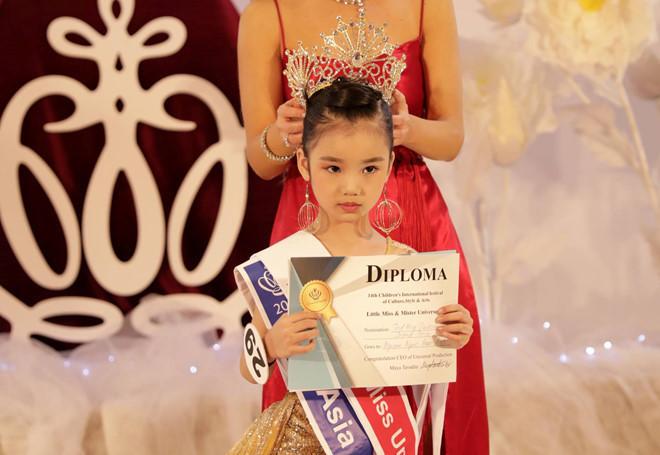 Vietnamese kid wins Little Miss Universe 2019 crown