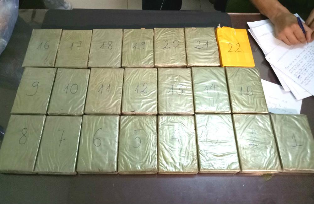 Kiều nữ 'áp tải' 22 bánh ma túy từ Lào về Việt Nam