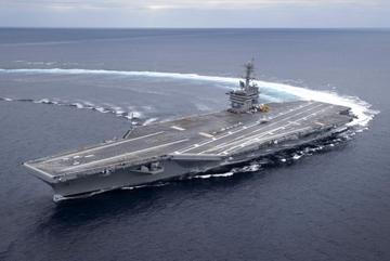 Giáo sĩ Iran dọa hủy diệt hạm đội Mỹ bằng tên lửa