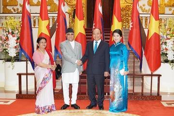 Thủ tướng Nguyễn Xuân Phúc chủ trì lễ đón Thủ tướng Nepal