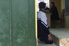 Tạm đình chỉ cô giáo Hà Nội bắt học sinh quỳ trước lớp