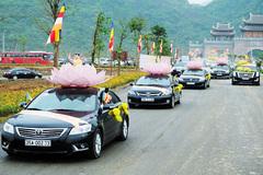 Lễ rước 400 xe hoa chào mừng Đại lễ Phật đản 2019