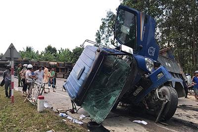 Tai nạn liên hoàn ở đường tránh Đà Nẵng, tuyến Bắc-Nam tê liệt