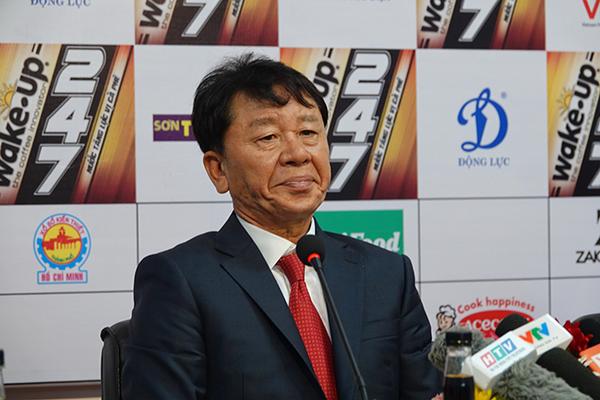 HLV Chung Hae Seong phủ nhận bị trò bẻ ghế ở CLB TPHCM