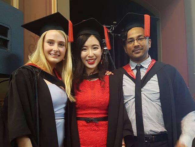 Cô bé mồ côi Việt trở thành bác sĩ tài ba ở Úc