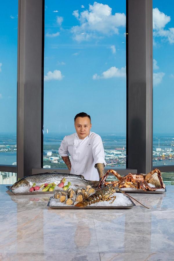 Có gì bên trong khách sạn siêu sang cao nhất Đông Nam Á?