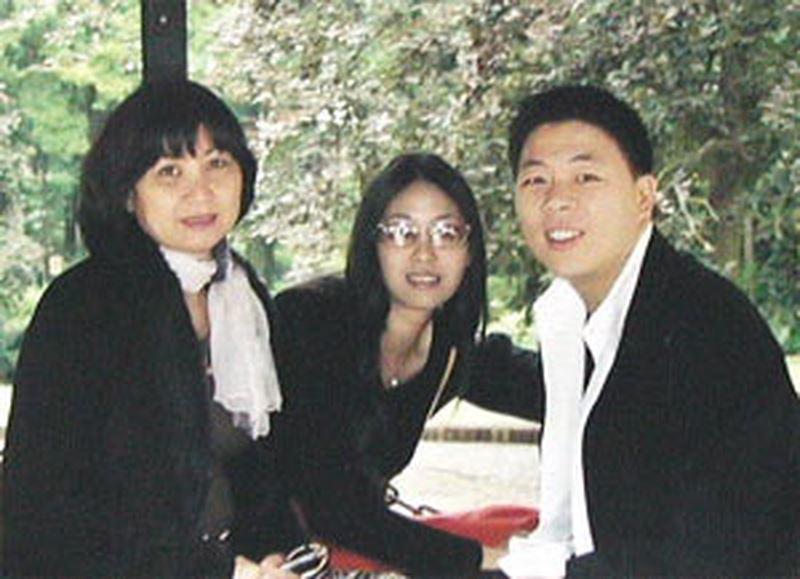 Nguyễn Gia Thiều,Hà Kiều Anh,buôn lậu,trốn thuế,điện thoại di động