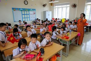 Hanoi still dealing with overcrowded classrooms