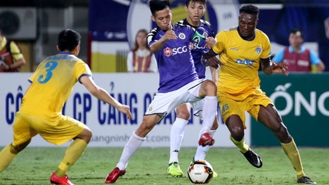HCM City beat Quang Ninh to stay top of V.League