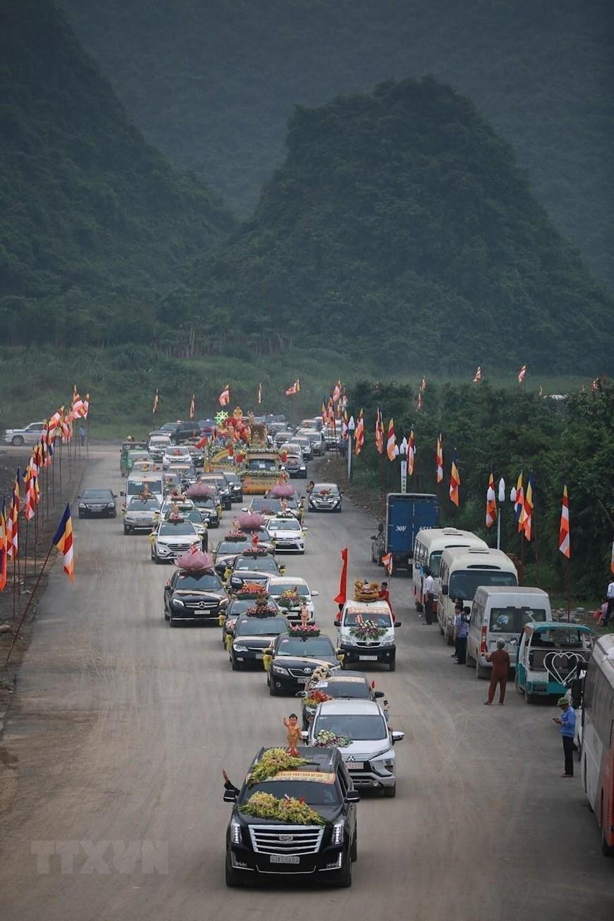 UN Day of Vesak: Motorcade parade