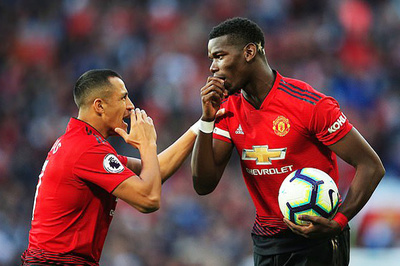 """MU rắc rối to vì hai """"ông kễnh"""" Pogba, Sanchez"""