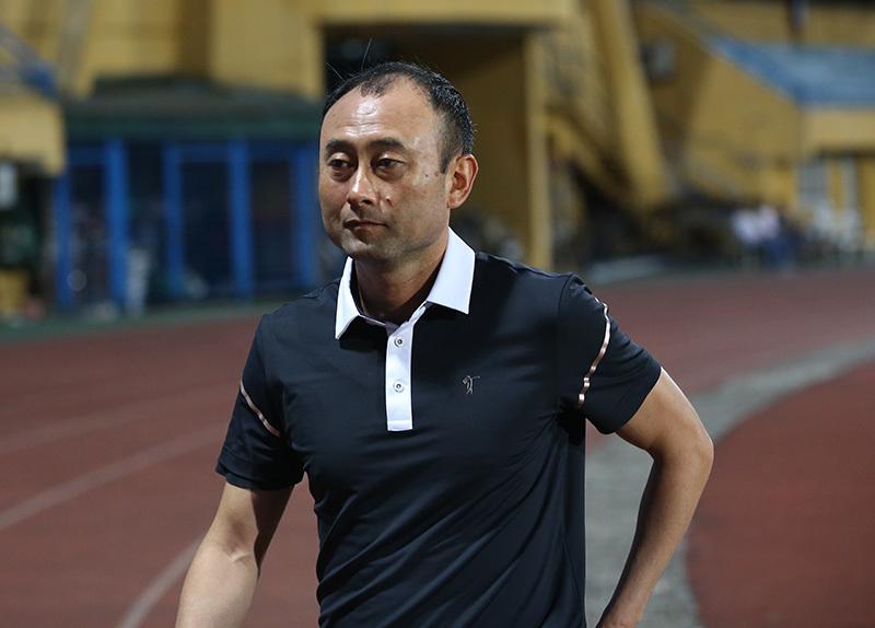 HLV Lee Tae Hoon tiết lộ lý do HAGL 'lên đồng' trước Vietttel