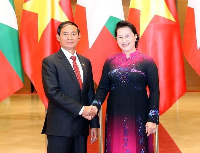 Vietnamese leaders meet with Myanmar President