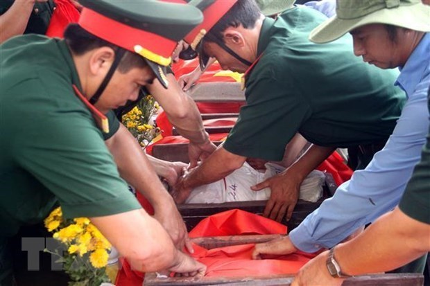 Nghe An receives 98 martyrs' remains from Laos