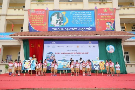 Child car seat initiative launched in Hanoi