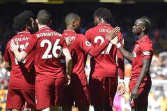Hạ Wolves, Liverpool bất lực nhìn Man City đăng quang