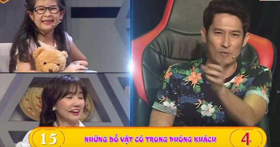 Hari Won cười không ngớt khi Huy Khánh bị con gái 'tố' nói dối