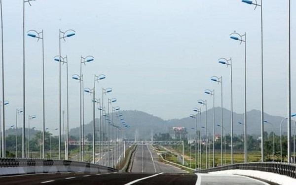 Foreign investors spotlight on Vietnam North-South Expressway
