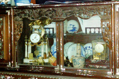Man's antique collection preserves national values