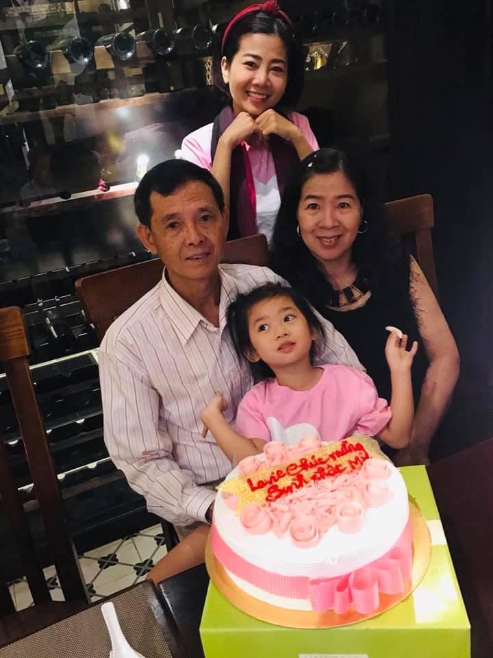 Ái Phương,Tiểu Vy,Thúy Vân,Mai Phương,Trịnh Kim Chi,Dương Cẩm Lynh,Hoàng Oanh,Làng sao