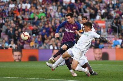 """Barca thắng """"giải sầu"""", Real Madrid thua ngược cay đắng"""