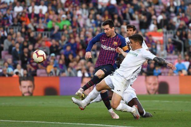 Barca thắng 'giải sầu', Real Madrid thua ngược cay đắng