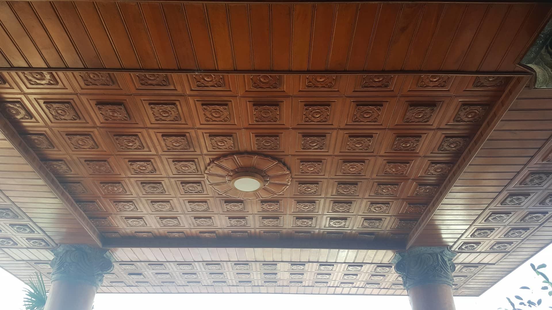 Bất ngờ trước ngôi nhà bằng gỗ lim của 'đại gia chân đất' Hải Phòng