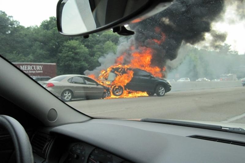 cháy xe,cháy ô tô,nguyên nhân cháy ô tô