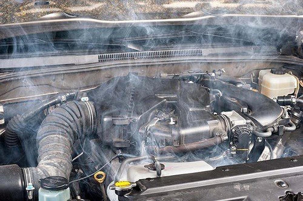 Từ vụ Mercedes bốc cháy: Kinh nghiệm phòng ngừa tối quan trọng