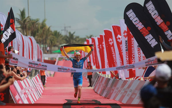 Lange, Lawrence triumph at Techcombank Ironman Championship