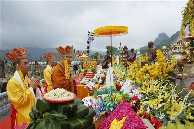 Vesak 2019 holds requiem for peace and prosperity