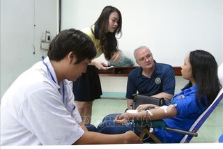 US medical staff join blood drive in Phu Yen