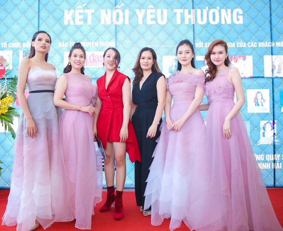 Phương Oanh,Hà Hương,sự kiện thời trang,làng sao