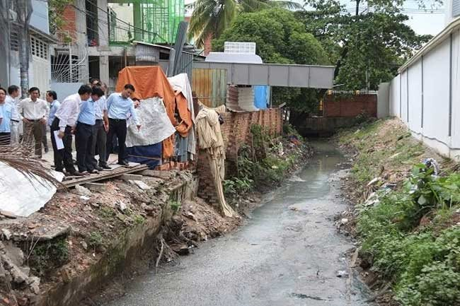 HCM City removes 277 waste-prone sites