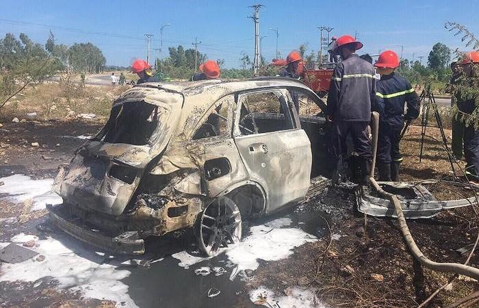 xe sang bốc cháy,ô tô cháy nổ,Mercedes,Audi,xe bỗng dưng bốc cháy