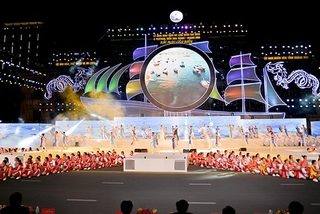 Over 15,000 visitors join opening of Sea Festival in Nha Trang