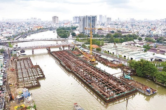 Major anti-flooding project rushes to finish line in HCMC